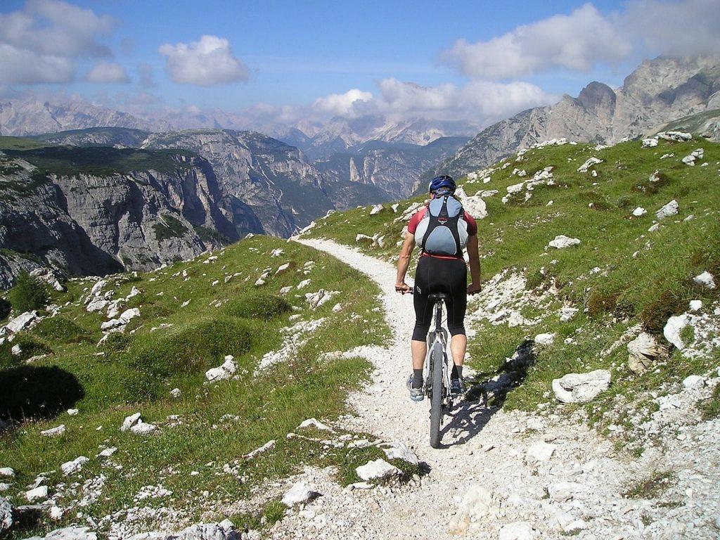 best backpack for mountain biking
