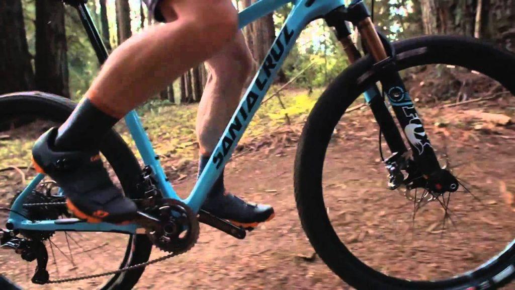 Giro Privateer R MTB Shoes rising a santa cruz mountain bike